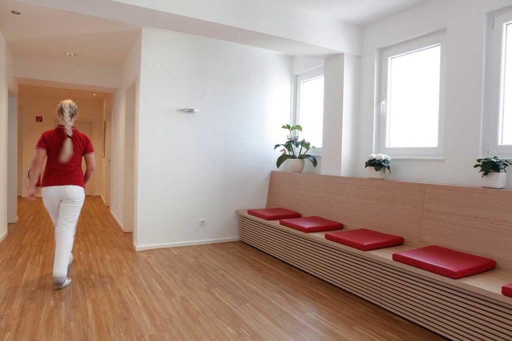 Hausarzt-muelheim-wartebereich